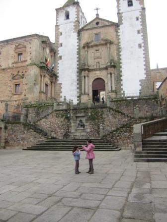 Cáceres con niños Extremadura  Cuatro a bordo