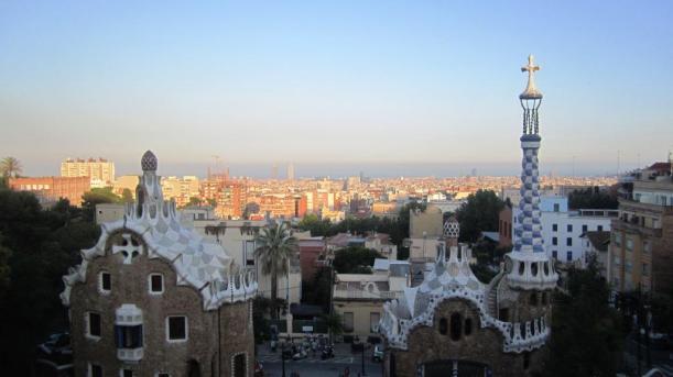 Gaudí con niños Cuatro a bordo Turismo Familiar Viajar con niños
