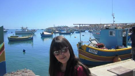 Marsaslock Malta con niños Cuatro a bordo