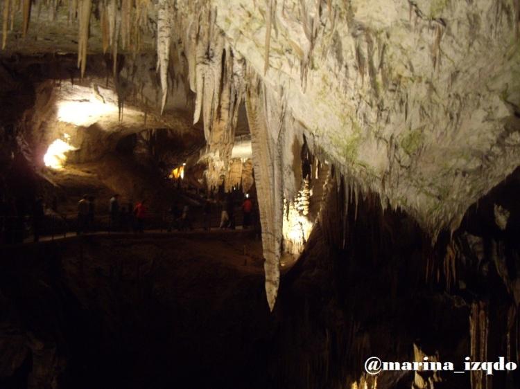 Cuevas Eslovenia turismo familiar